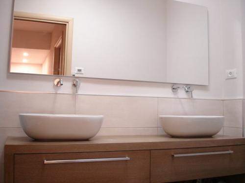 mobili bagno ferrari (5)